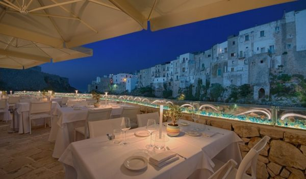 26 - Romantic Tour (Boat in Polignano a Mare & Candlelight Dinner) - Tedi Tour Operator
