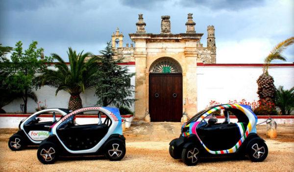 Experience Ostuni su city car elettriche Twizy - Tedi Tour Operator
