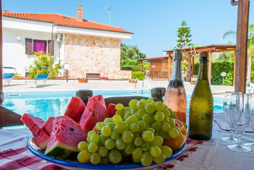"""Villa privata con piscina vicina al mare, Puglia - """"Villa Cycas"""""""